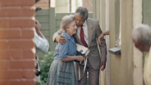 Helen Suzman e Nelson Mandela, fotogramma da You Tube ©Democratic Alliance Party